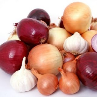 Advantages of eating raw onions