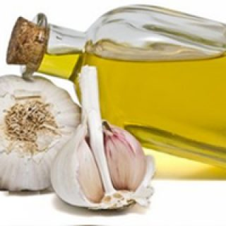 benefits of garlic juice for hair